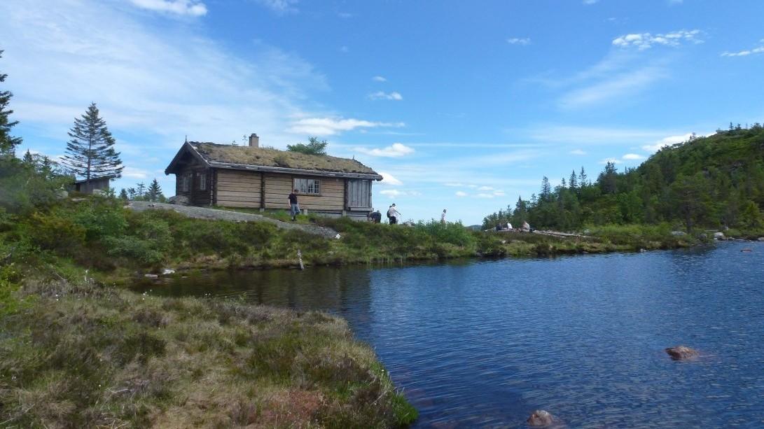 løper fra hytte til hytte