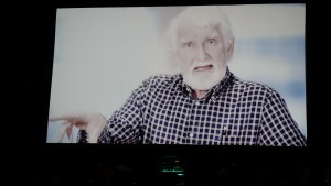 Formann da forsamlingen flyttet fra Sandnes snetrum, Eivind Rossland, holdt andakt på videolink.