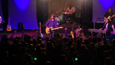Leeland in concert at the Millennium Youth Center in St. Joseph, Missouri (March 2007). Foto: Jeff Meyer