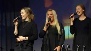 Anne-Marthe Lillebø (i midten) med Redeemed 2016. Foto: Petter Olsen