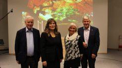 Per Sævik (t.v.), Linda Helén Haukland og Hilde og Martin Brænne syntest det var interessant å delta på Haugeseminar i Herøy. (Foto: Hjørdis Almelid Vikenes)